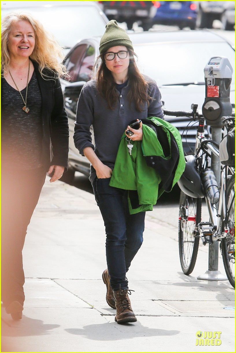 ellen page tweets anti gay pastor 013080914