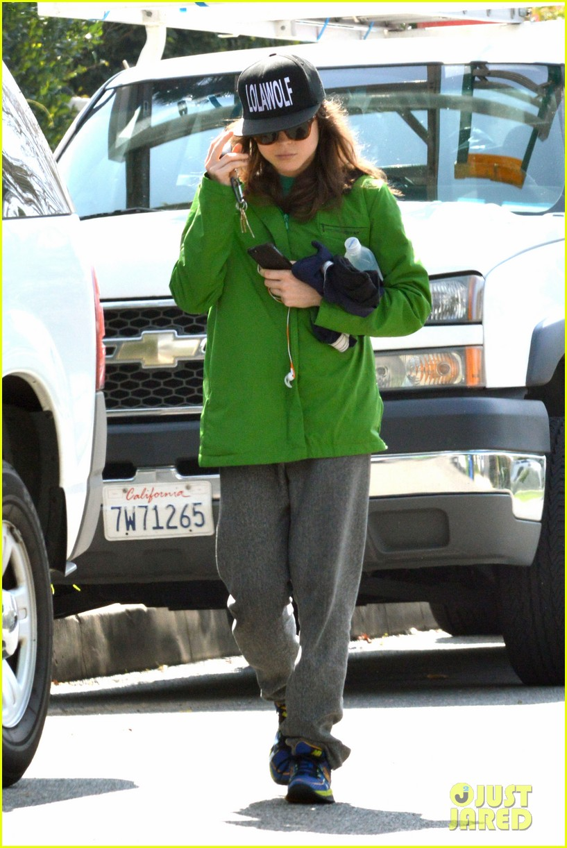 ellen page says she eats so she can poop 013067505