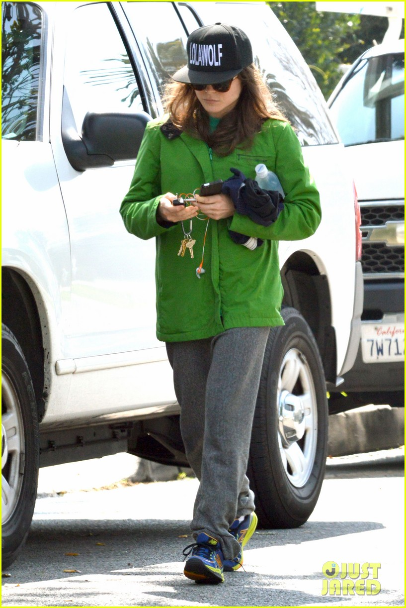 ellen page says she eats so she can poop 033067507
