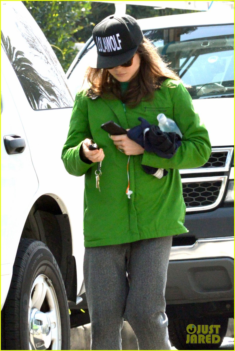 ellen page says she eats so she can poop 053067509