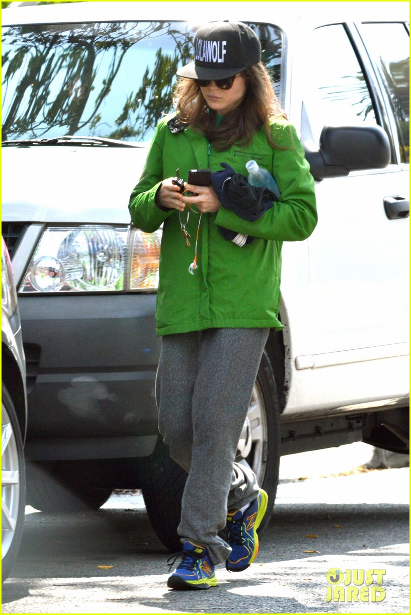 ellen page says she eats so she can poop 073067511