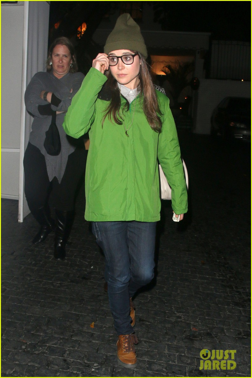 ellen page spike jonze is in love with his phone 023065719