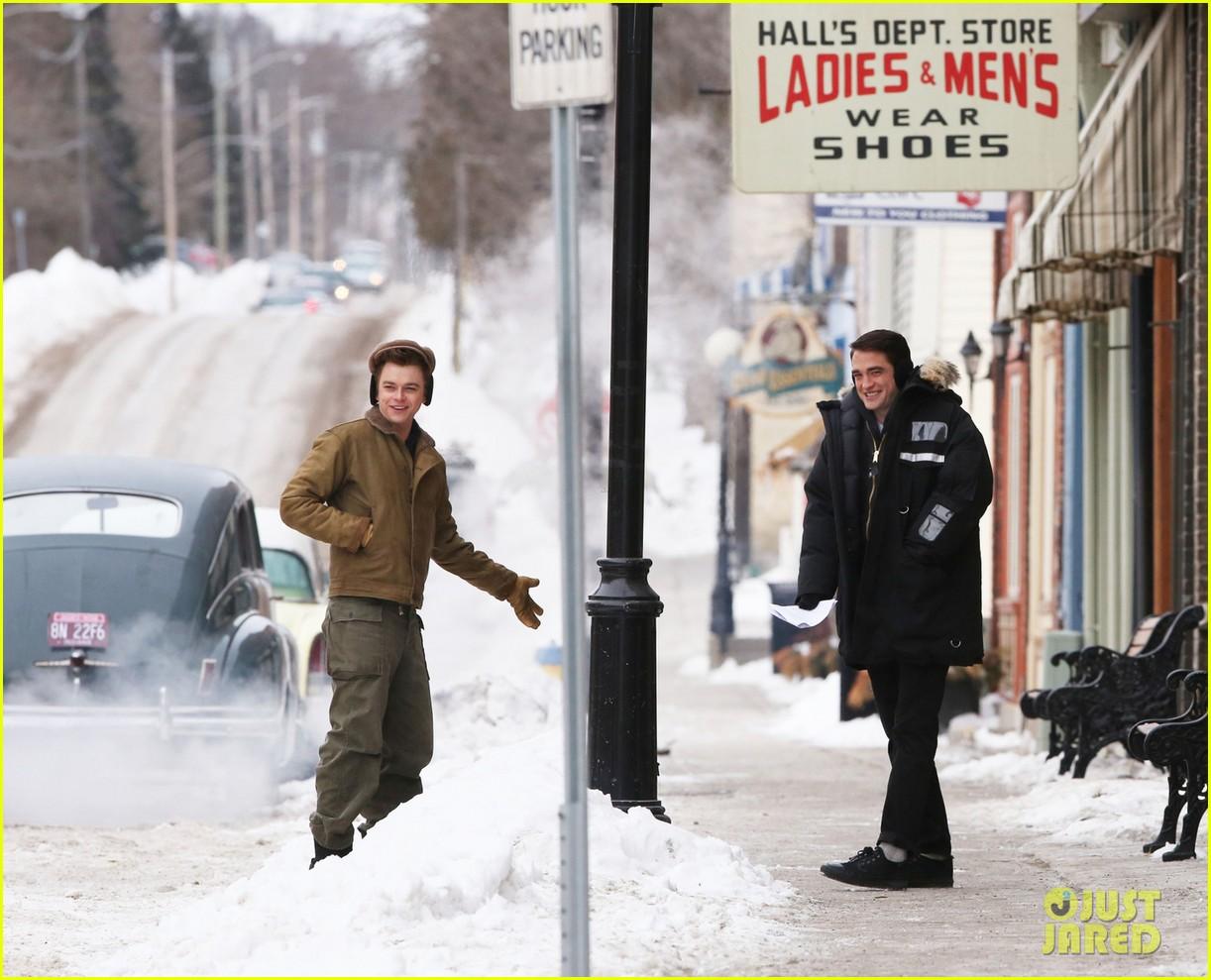 robert pattinson dane dehaan continue filming life in super cold canada 023065881