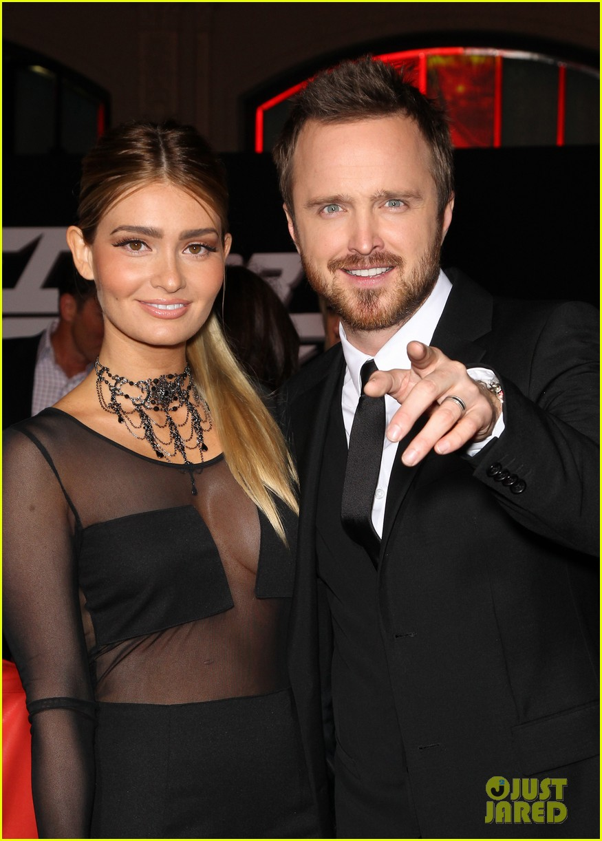 aaron paul imogen poots need for speed premiere 133067566