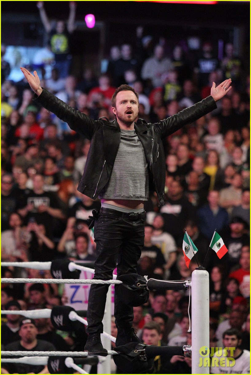 aaron paul has a need for speed on wwes monday night raw 013066728