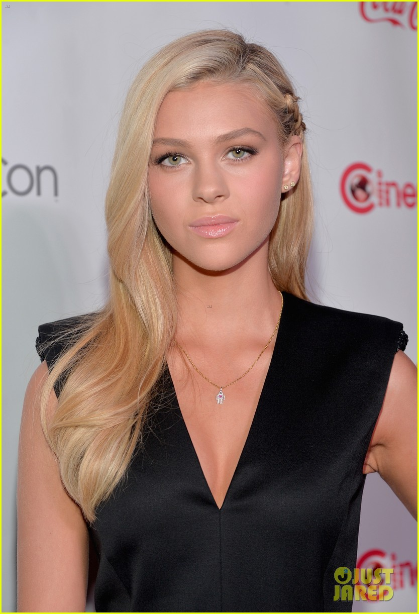 nicola peltz jack reynor cinemacon rising star of the year 203080434