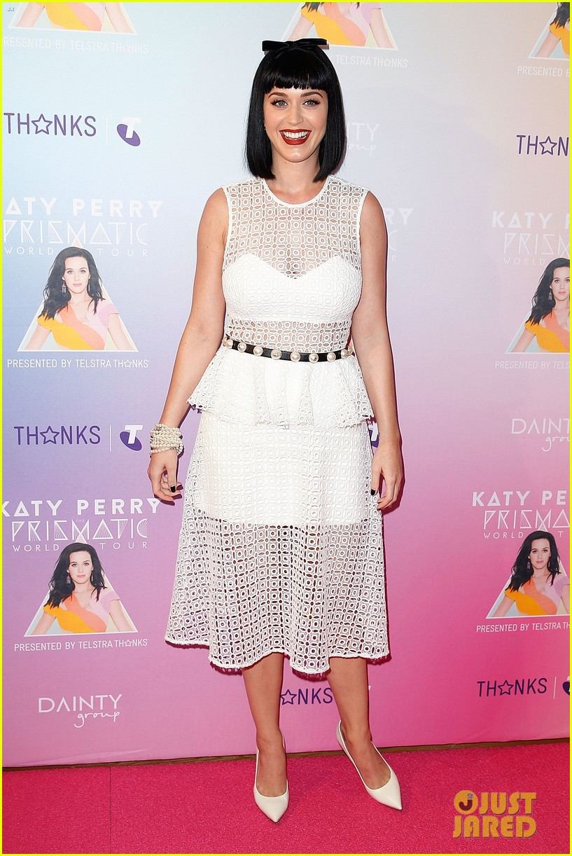 katy perry releases new dark horse remix for japan listen now 013065698