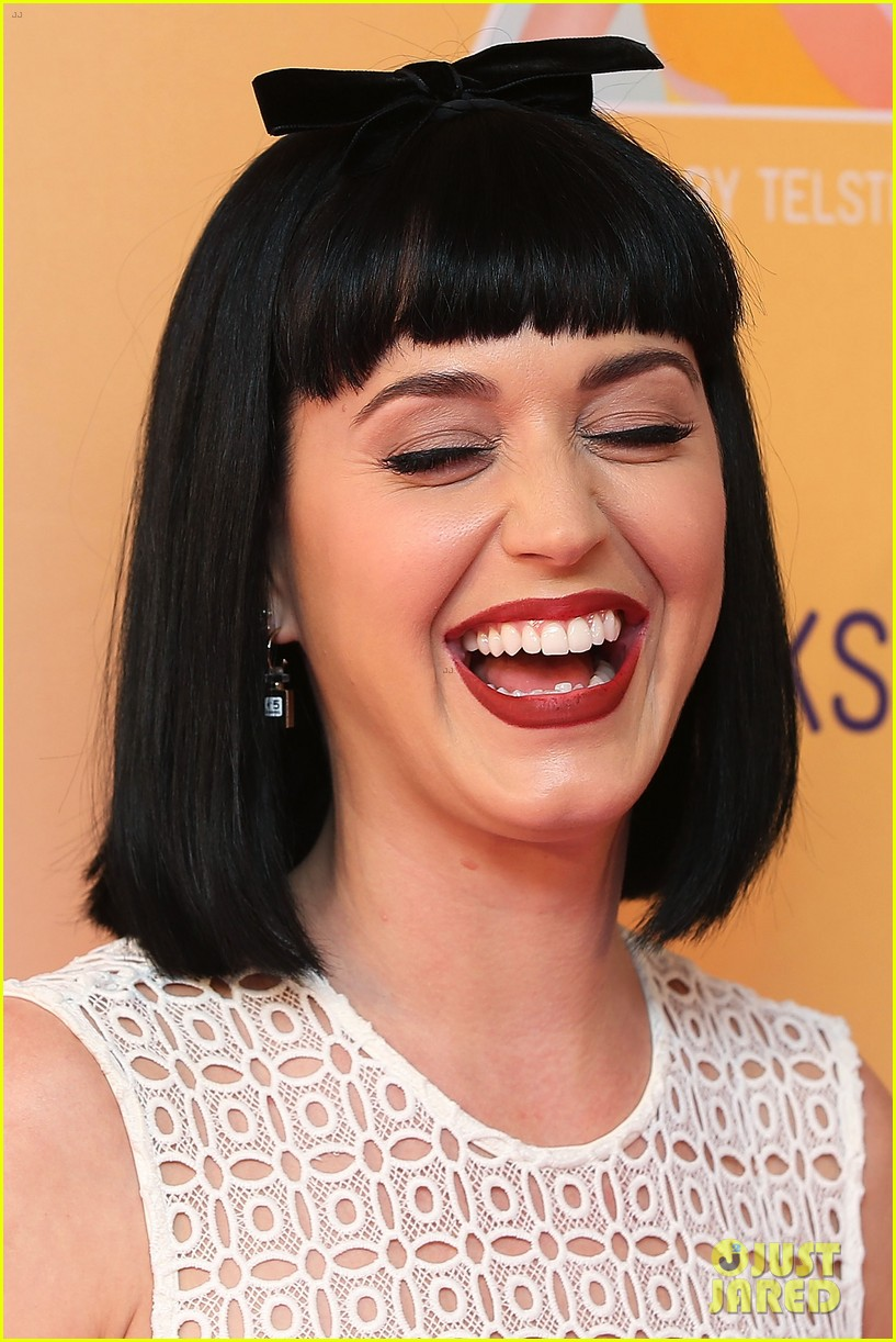 katy perry releases new dark horse remix for japan listen now 063065703
