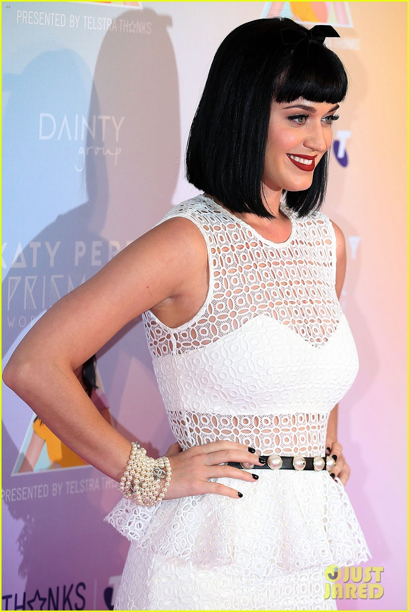 katy perry releases new dark horse remix for japan listen now 073065704