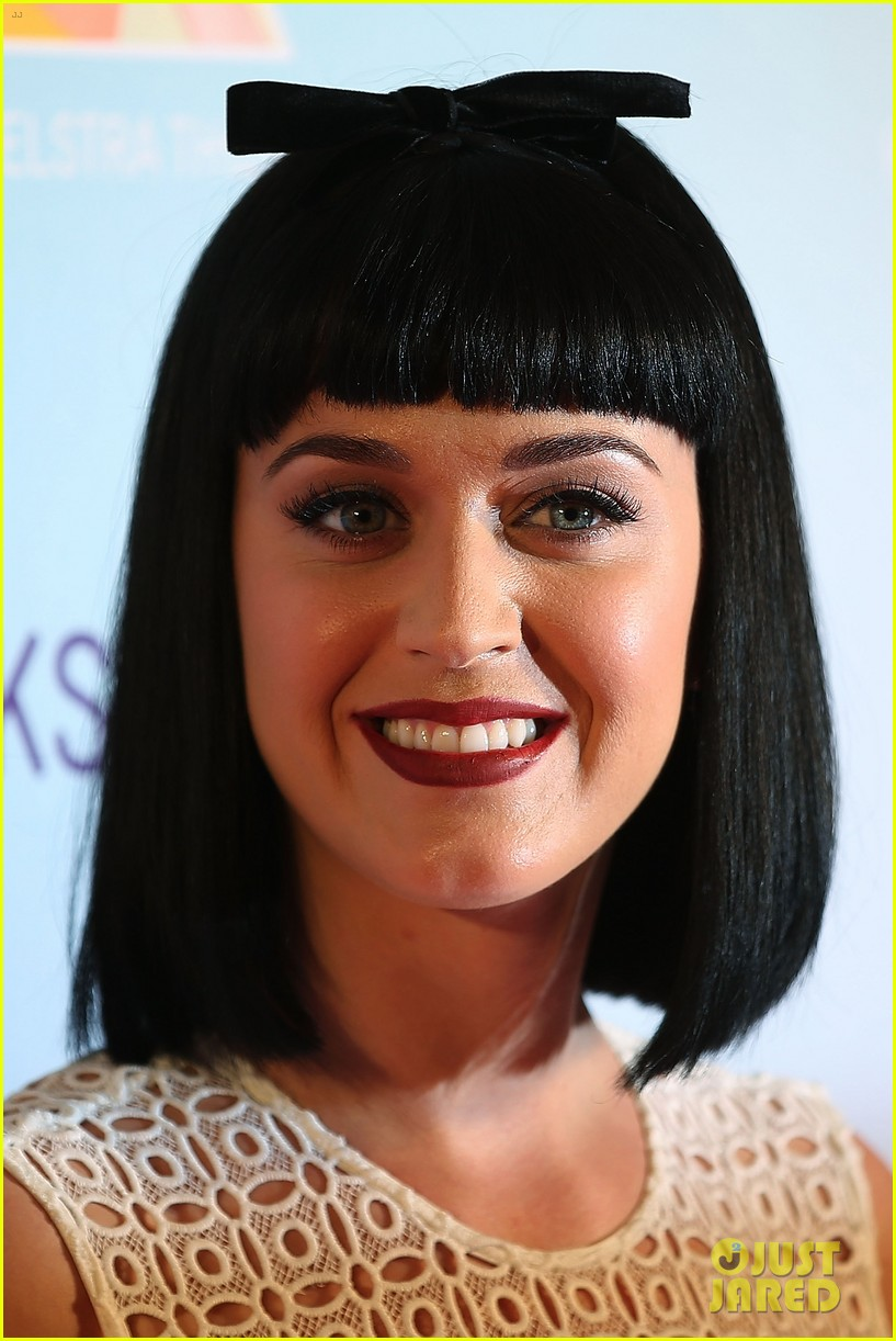 katy perry releases new dark horse remix for japan listen now 113065708