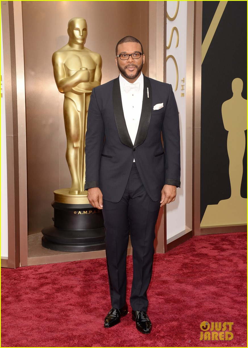 tyler perry presents at oscars 2014 023064180