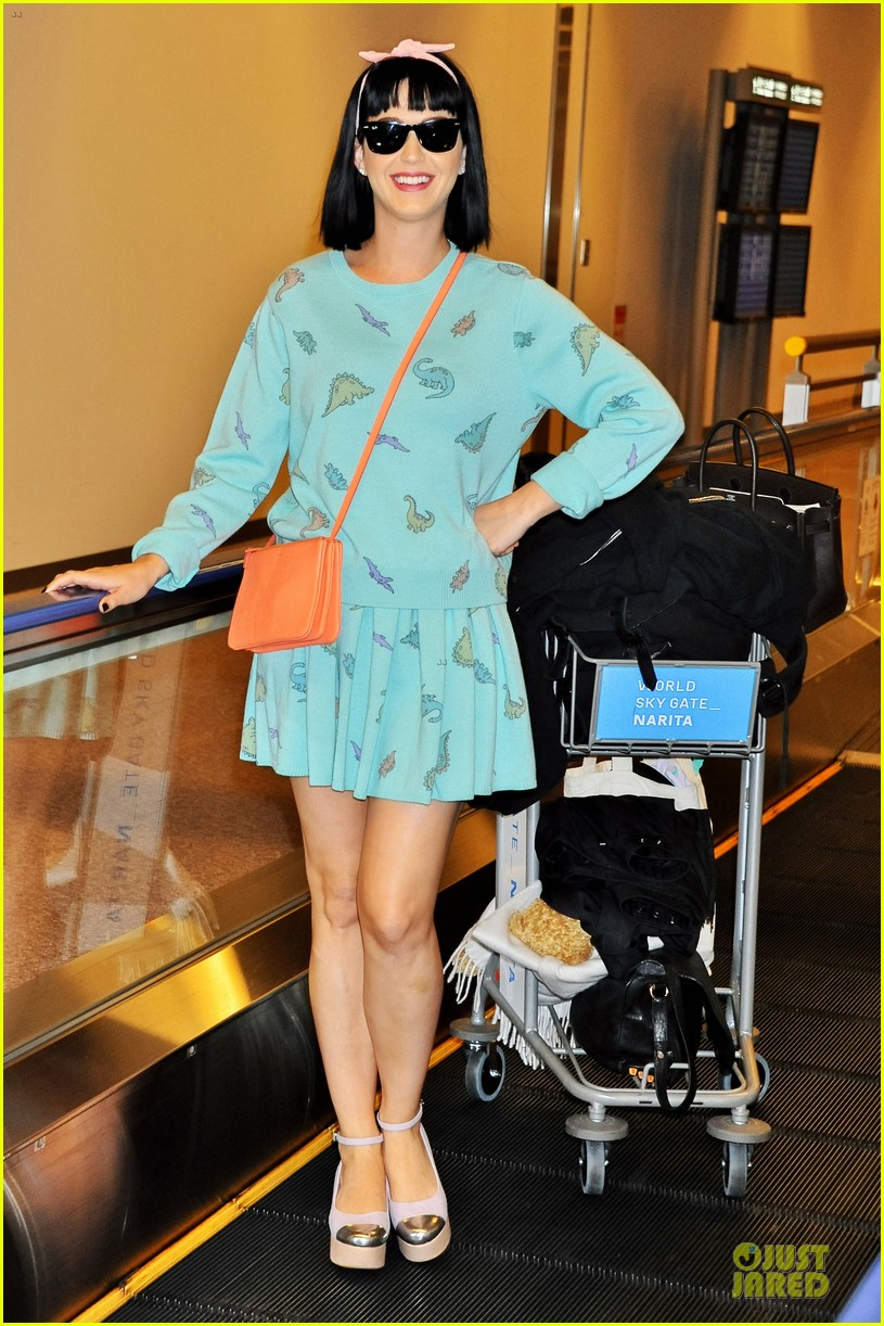 katy perry flashes happy smile after reported john mayer split 013062730