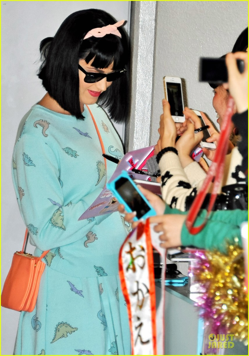 katy perry flashes happy smile after reported john mayer split 043062733