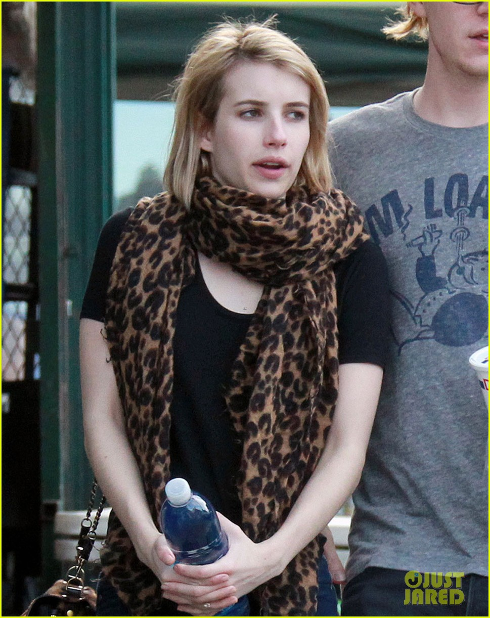 evan peters rests hand on emma roberts head 043069300