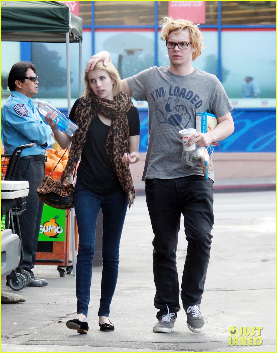 evan peters rests hand on emma roberts head 053069301