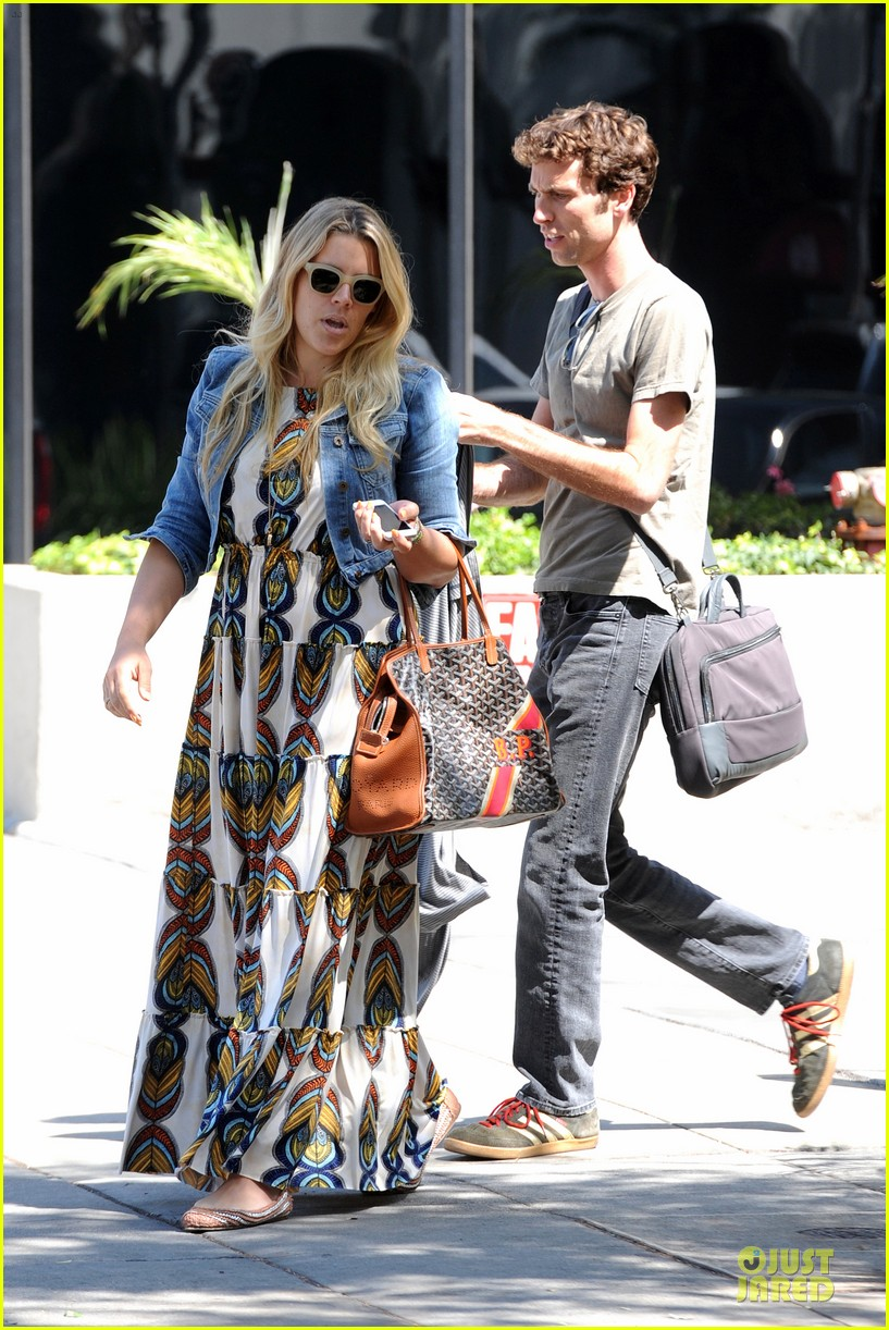 busy philipps singing is thrilling adventure 073081208