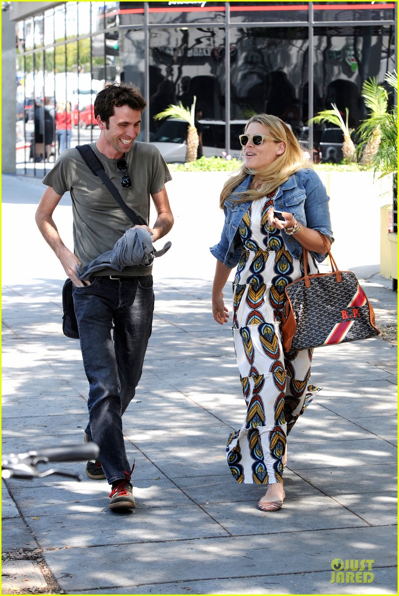 busy philipps singing is thrilling adventure 123081213