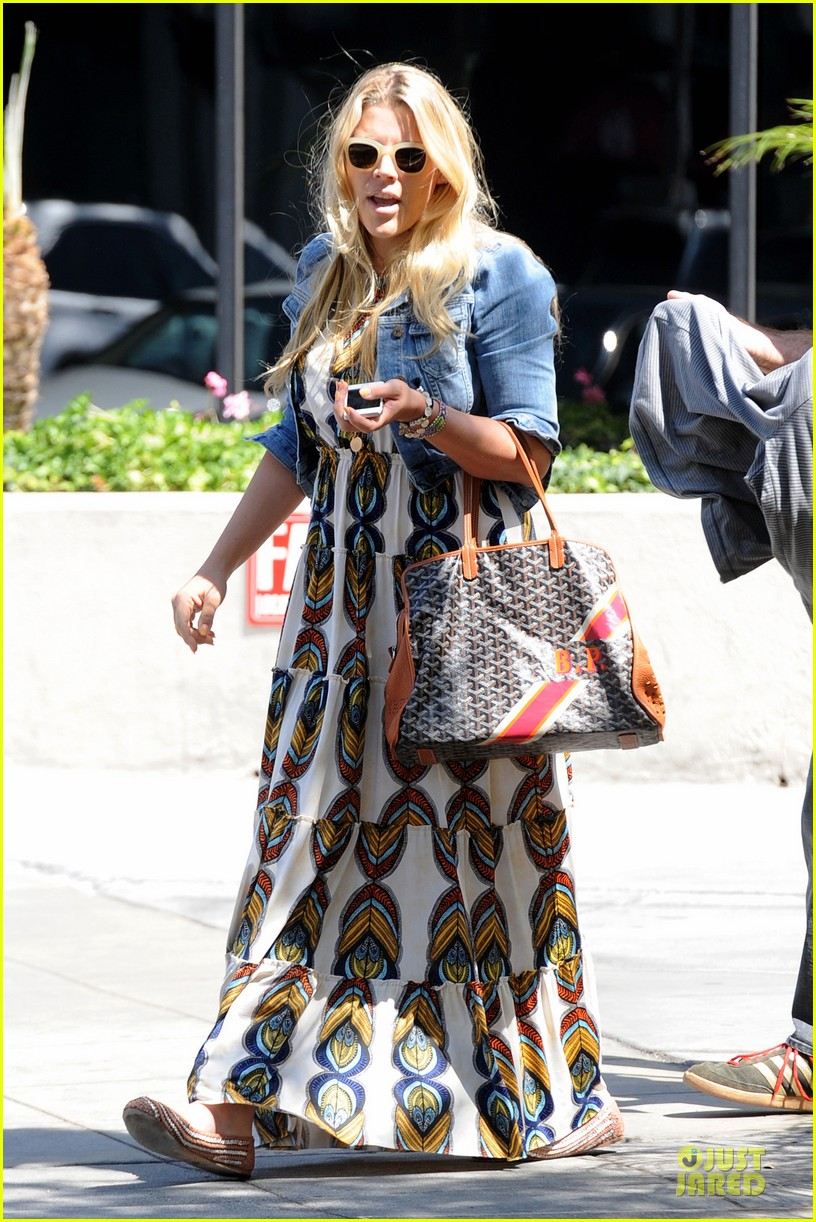 busy philipps singing is thrilling adventure 143081215
