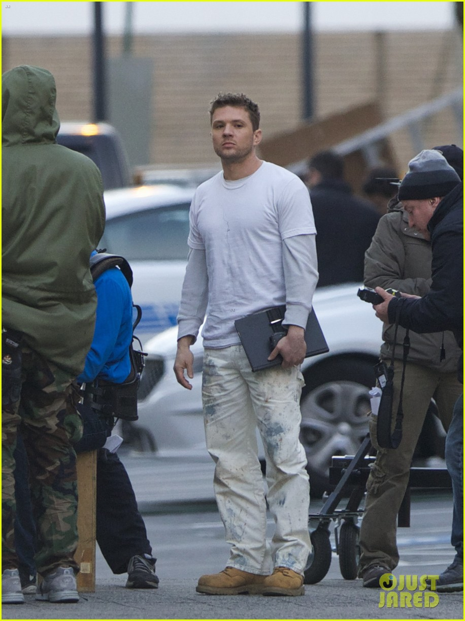 ryan phillippe films new pilot too many layers 013075599