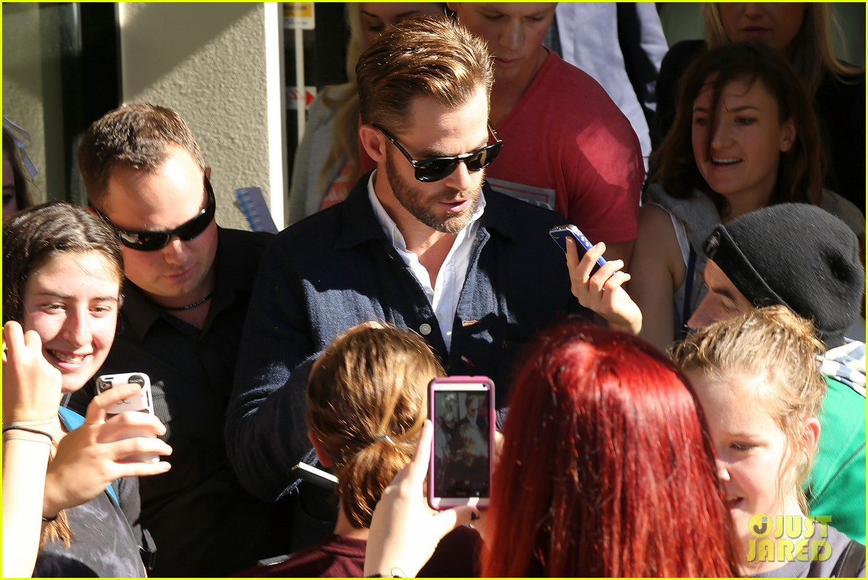 chris pine appears in court for dui arrest in new zealand 023073014