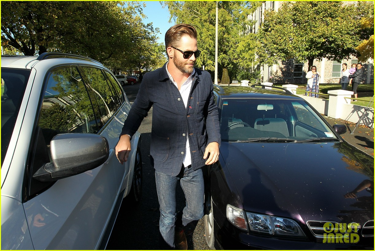 chris pine appears in court for dui arrest in new zealand 063073018
