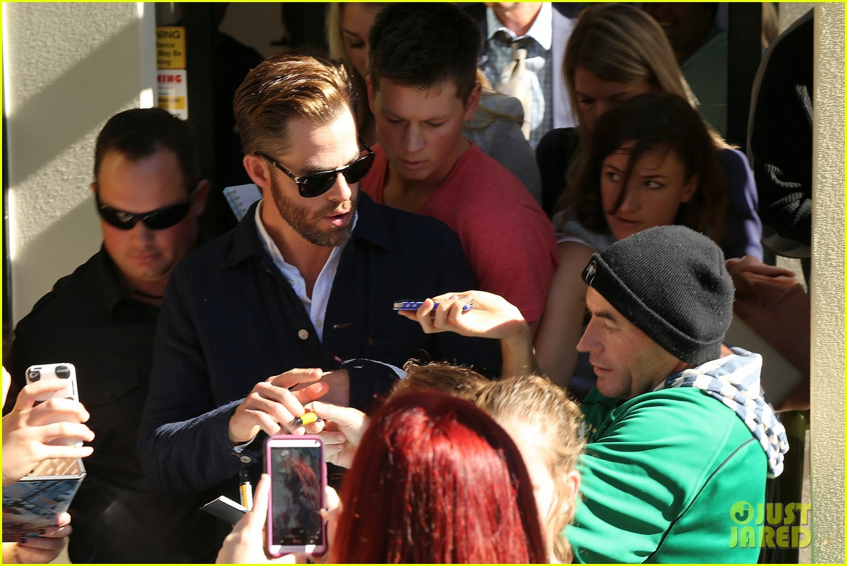 chris pine appears in court for dui arrest in new zealand 153073027