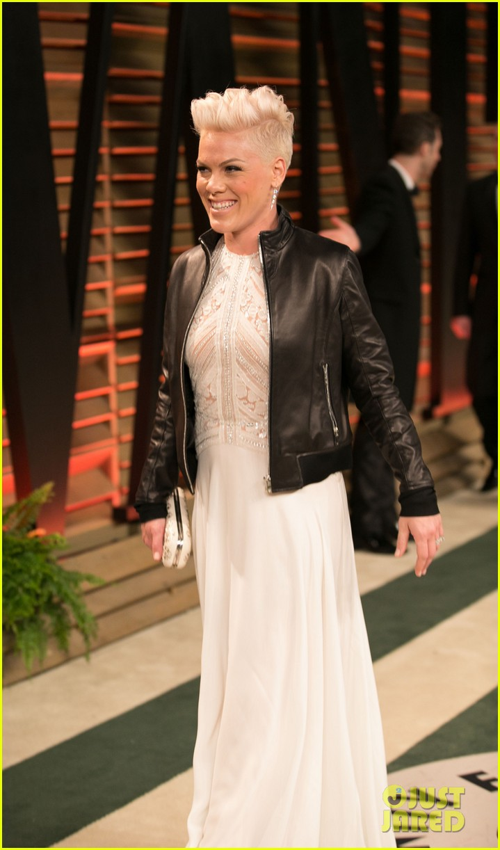 pink attends the vanity fair oscars party 2014 after performing 103064760