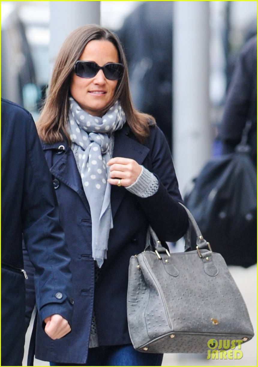 kate pippa middletons go to fashion brand hobbs coming to us 043080544