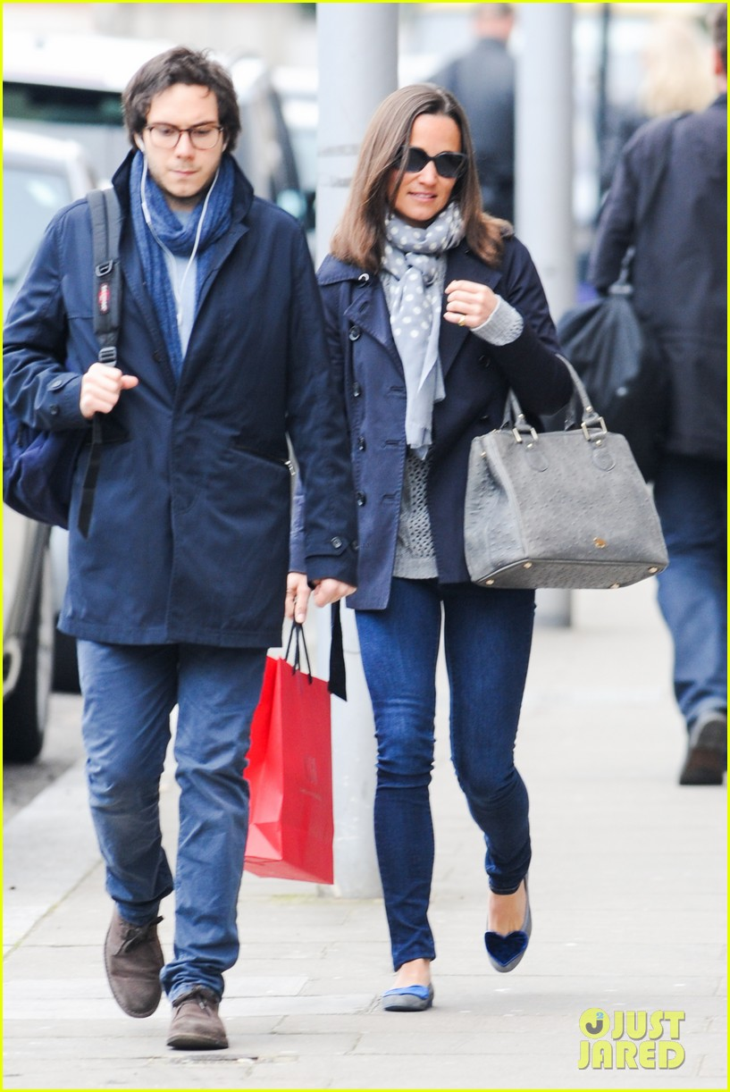 kate pippa middletons go to fashion brand hobbs coming to us 063080546