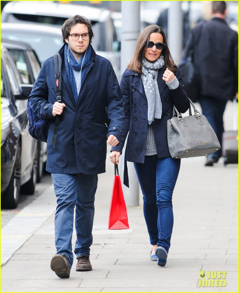 kate pippa middletons go to fashion brand hobbs coming to us 163080556