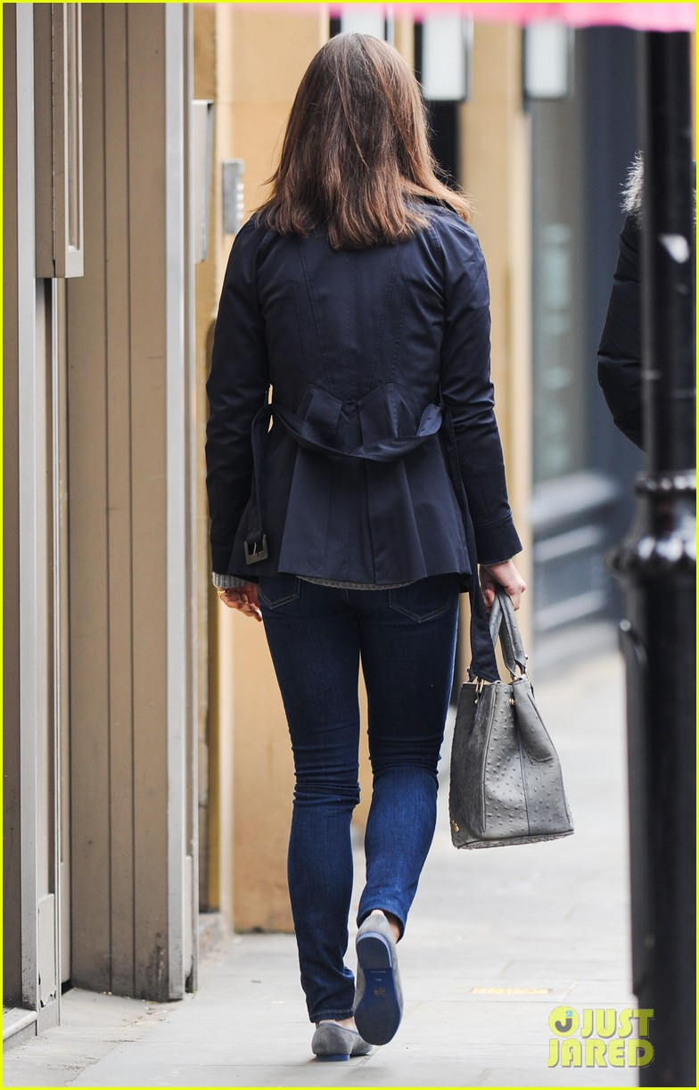 kate pippa middletons go to fashion brand hobbs coming to us 183080558