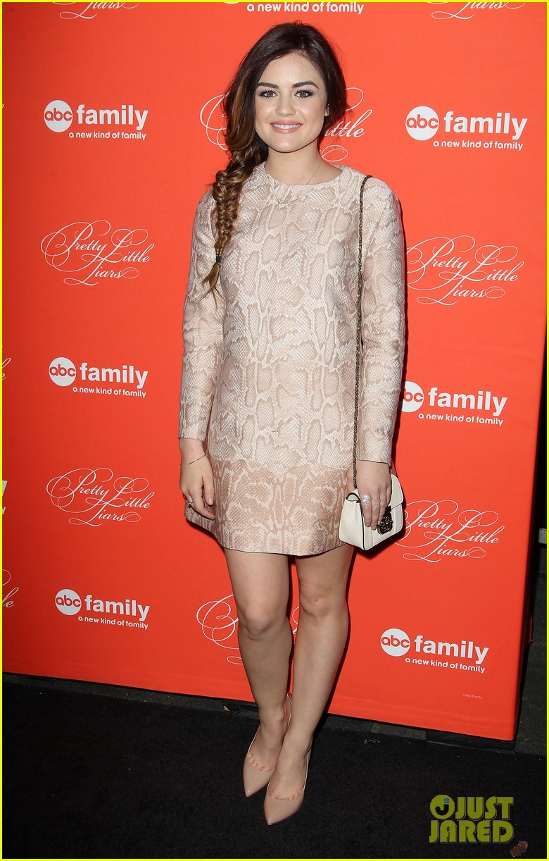 pretty little liars cast presents finale episode at nyc live read 073074584