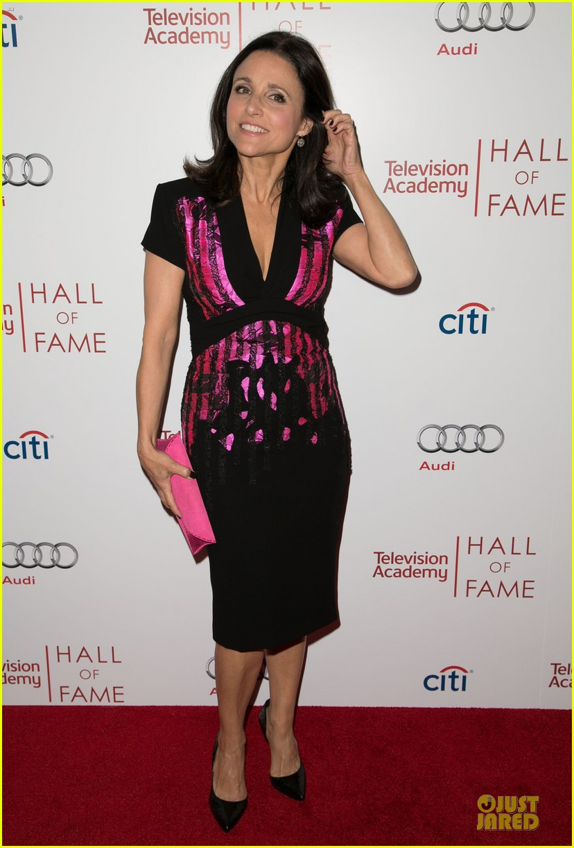 amy poehler julia louis dreyfus doll up for hall of fame gala 083070190