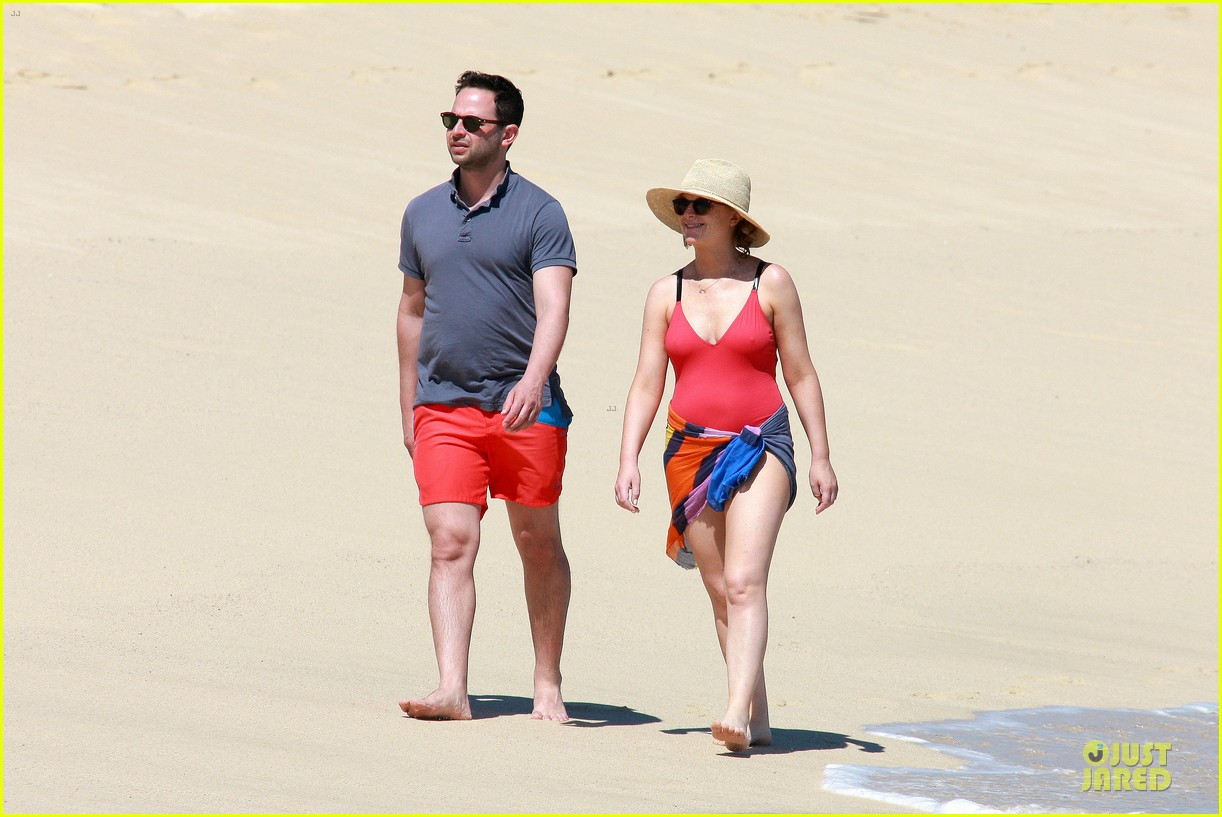 poehler kroll red hot cabo vacation 133082066