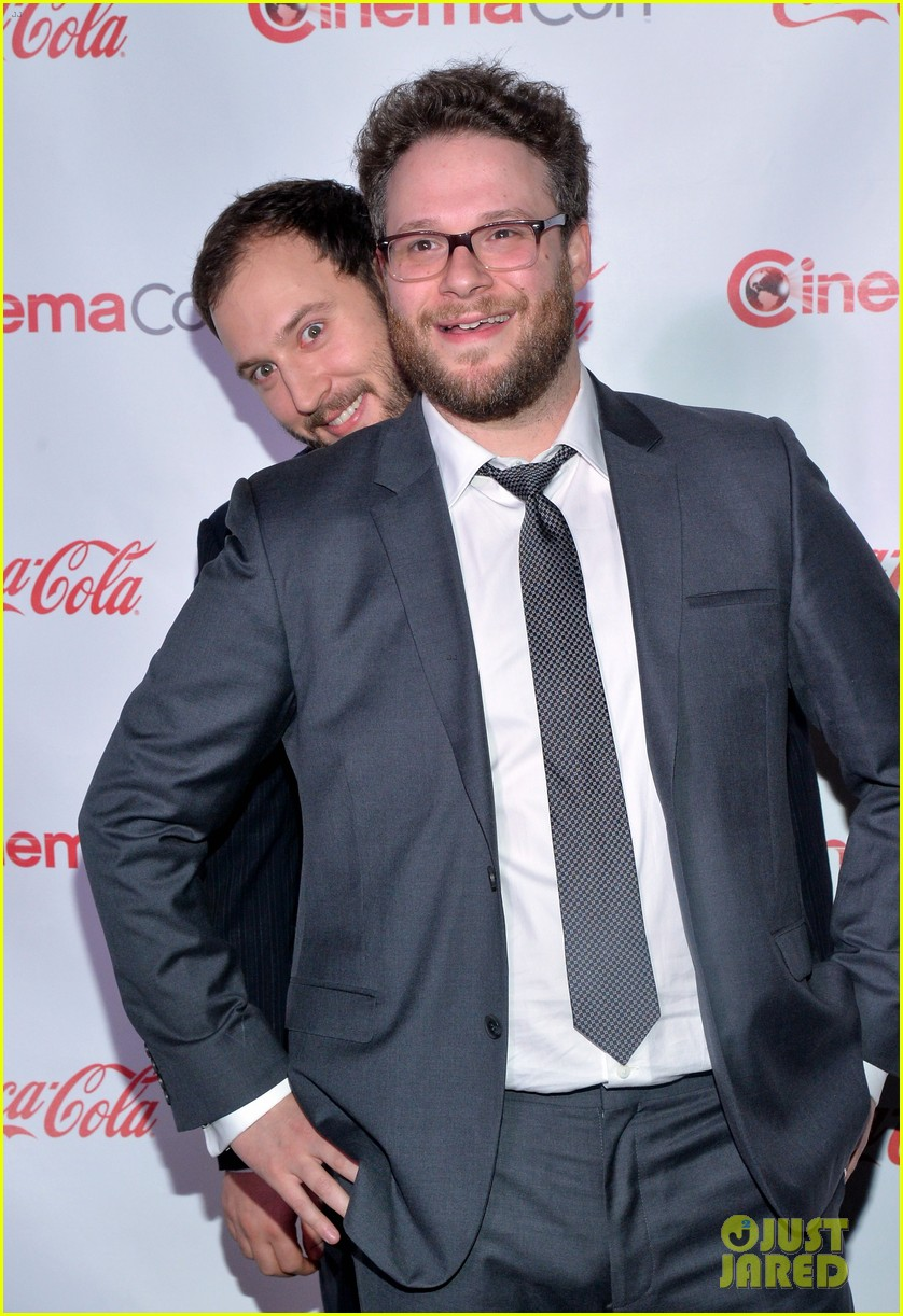 chris pratt seth rogen leslie mann cinemacon awards 273080272