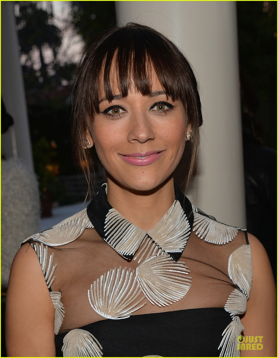 rashida jones thoughts glamour column 043081130