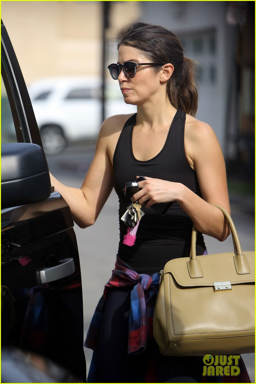 nikki reed steps out after news of split with husband paul mcdonald 04