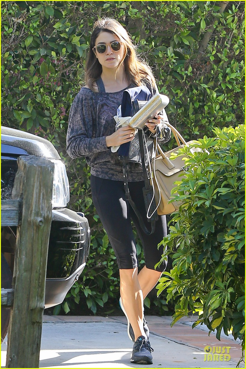 nikki reed perfect example of gym 063076437