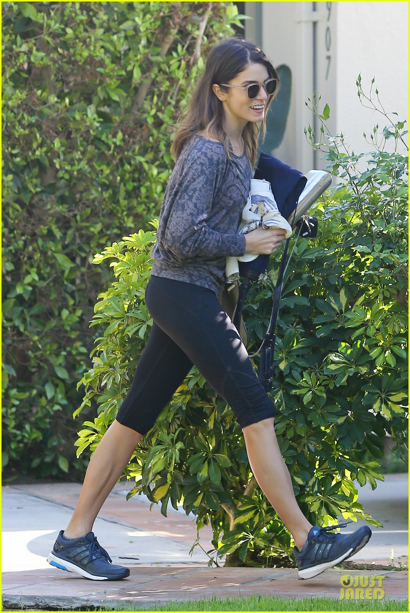 nikki reed perfect example of gym 073076438