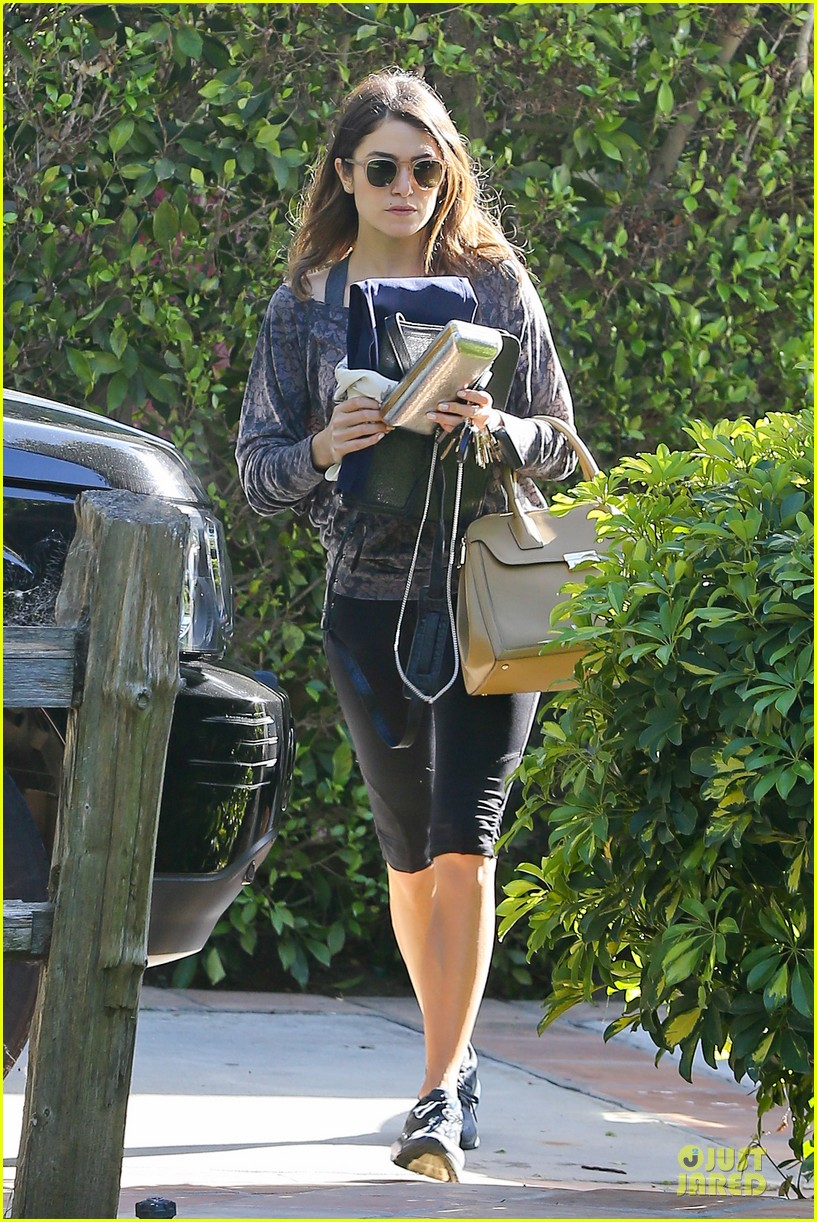 nikki reed perfect example of gym 083076439