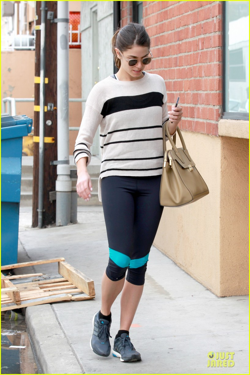 nikki reed perfect example of gym 153076446