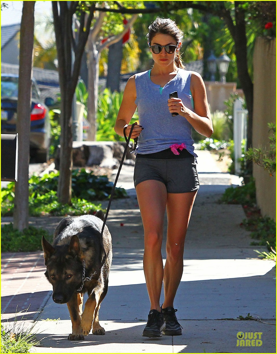 nikki reed steps out without wedding ring 013081959