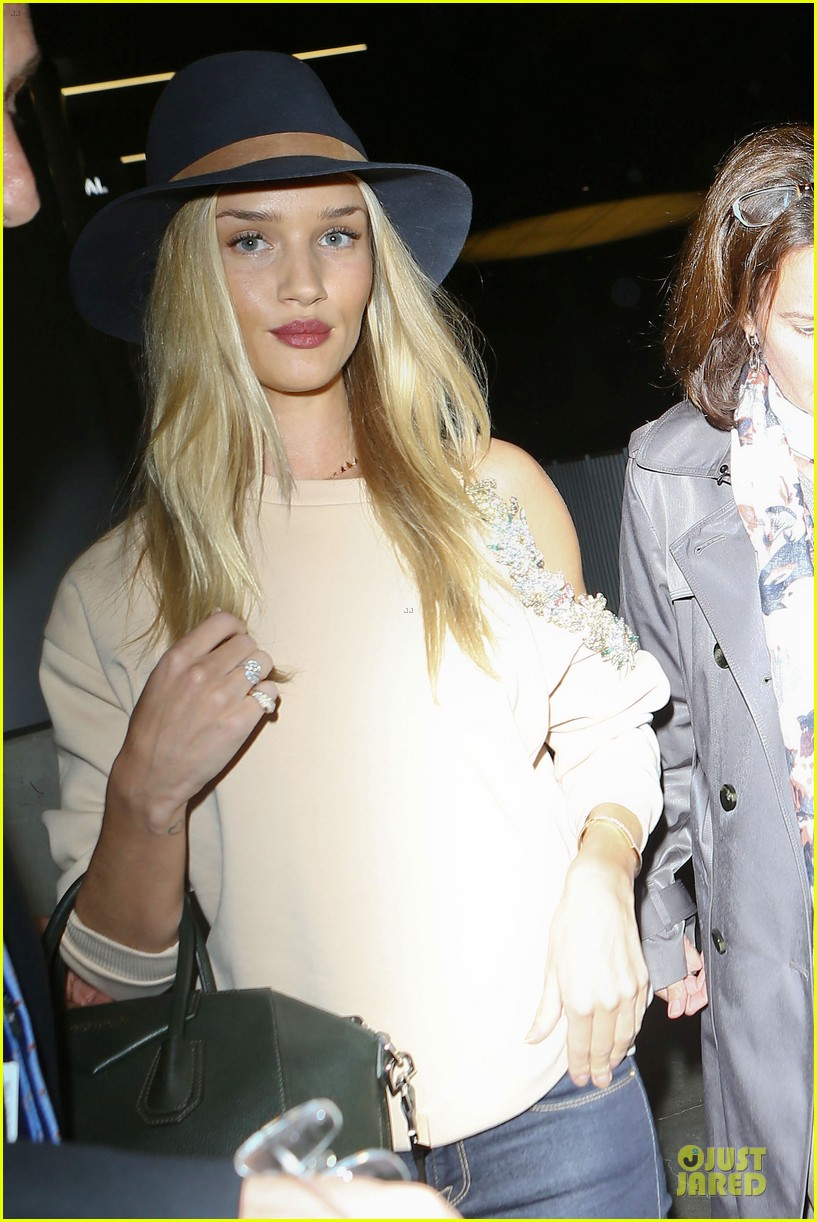 rosie huntington whiteley fly out of la before earthquake 023080968