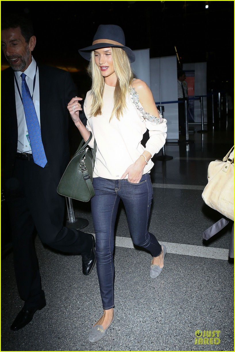 rosie huntington whiteley fly out of la before earthquake 193080985