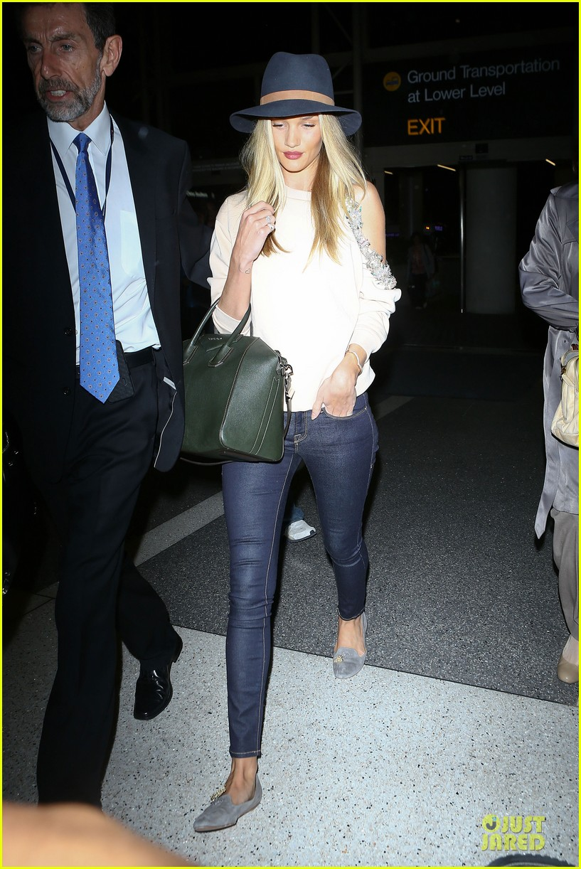 rosie huntington whiteley fly out of la before earthquake 21