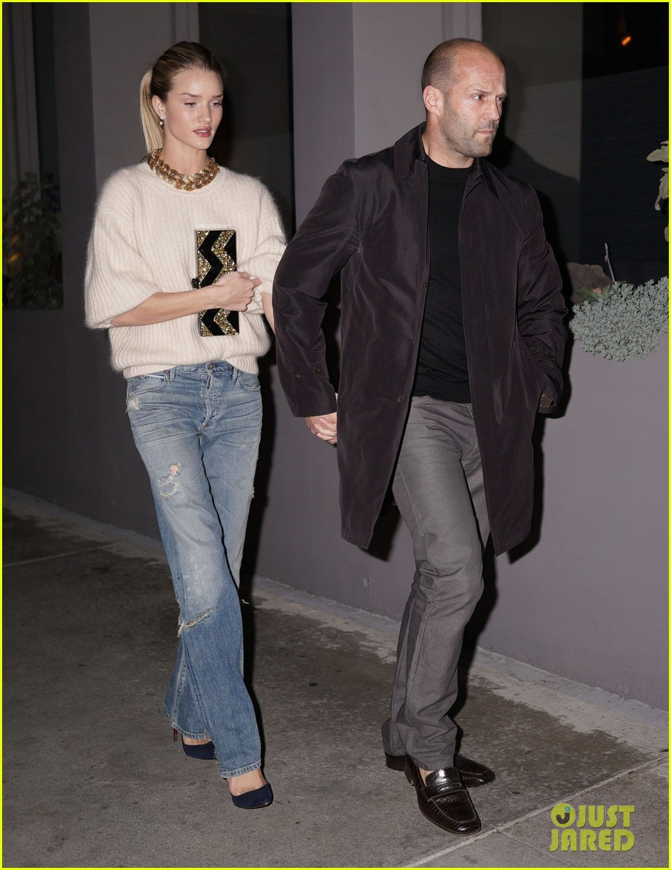 rosie huntington whiteley jason statham hold hands en route to dinner 01