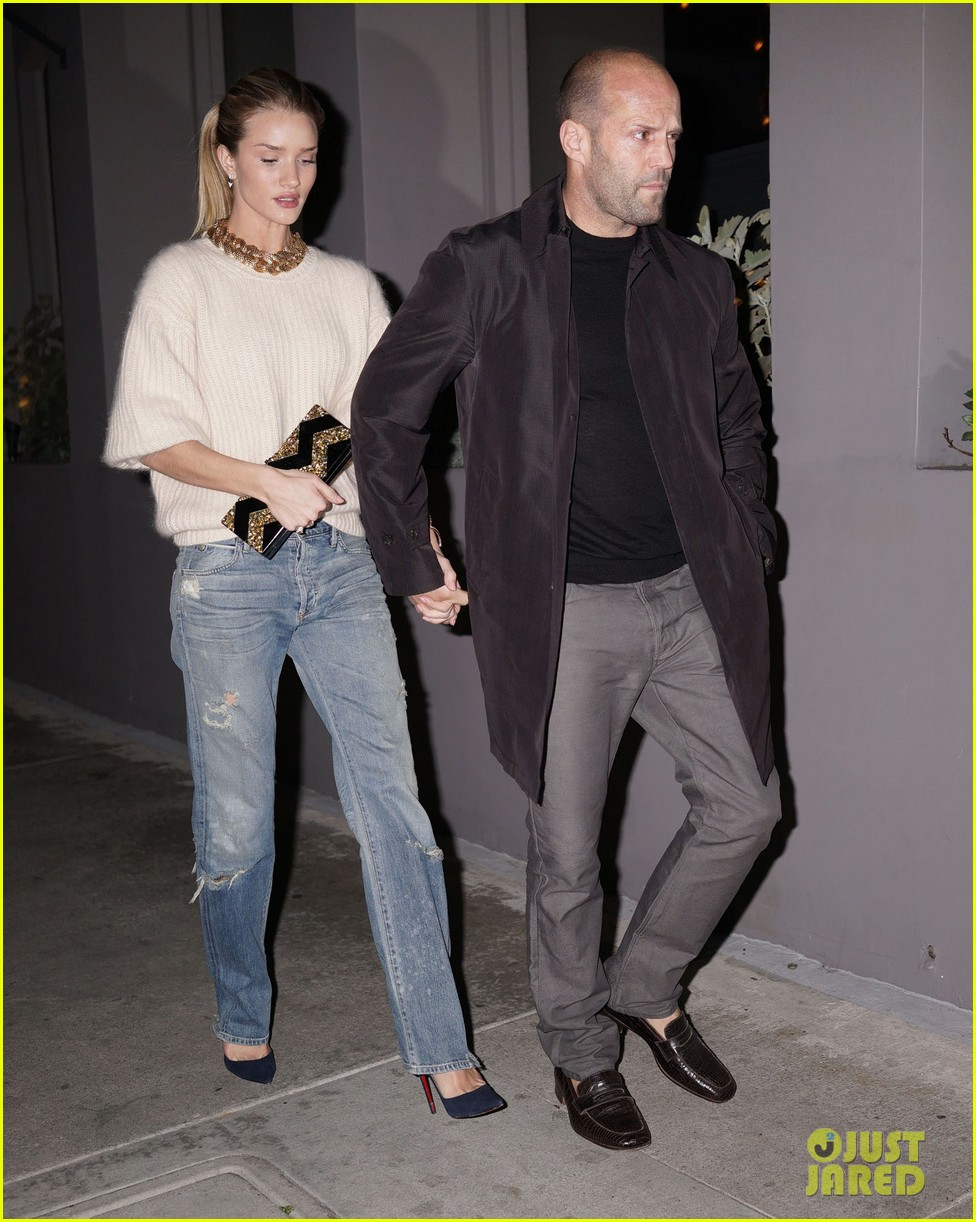 rosie huntington whiteley jason statham hold hands en route to dinner 033066604