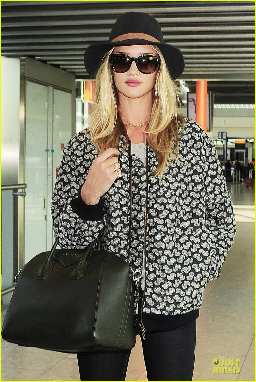 rosie huntington whiteley legs vogue festival 10