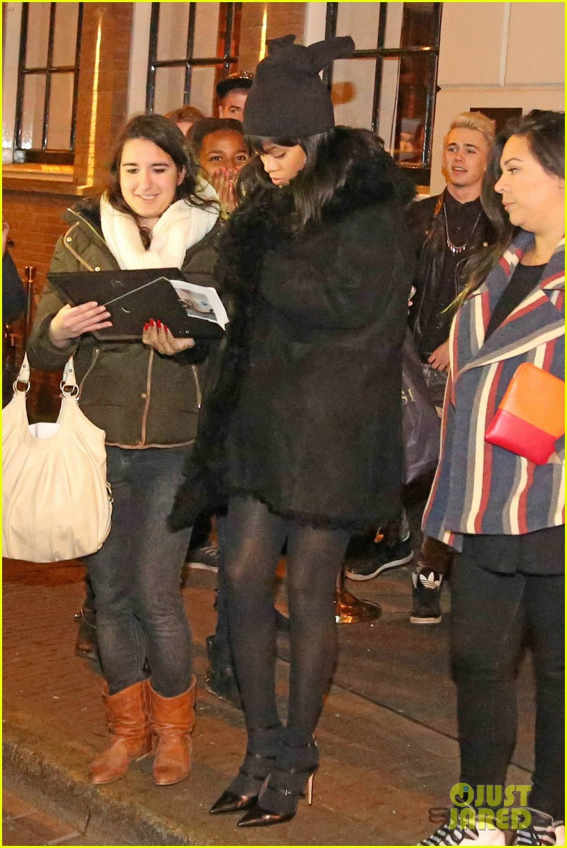 rihanna drake spotted on dinner date in amsterdam 013067631