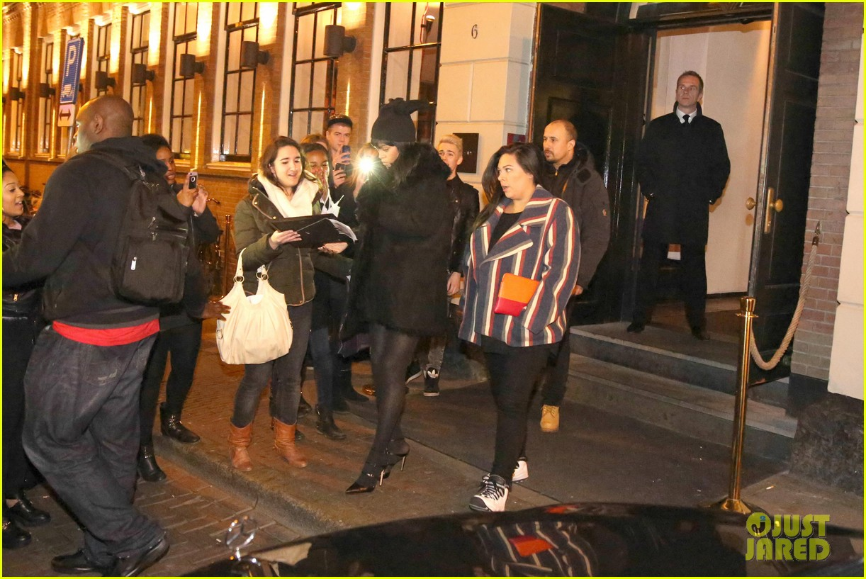 rihanna drake spotted on dinner date in amsterdam 113067641